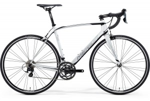 MERIDA SCULTURA 4000 S/M 52CM WHITE/BLACK(SILVER) 2015